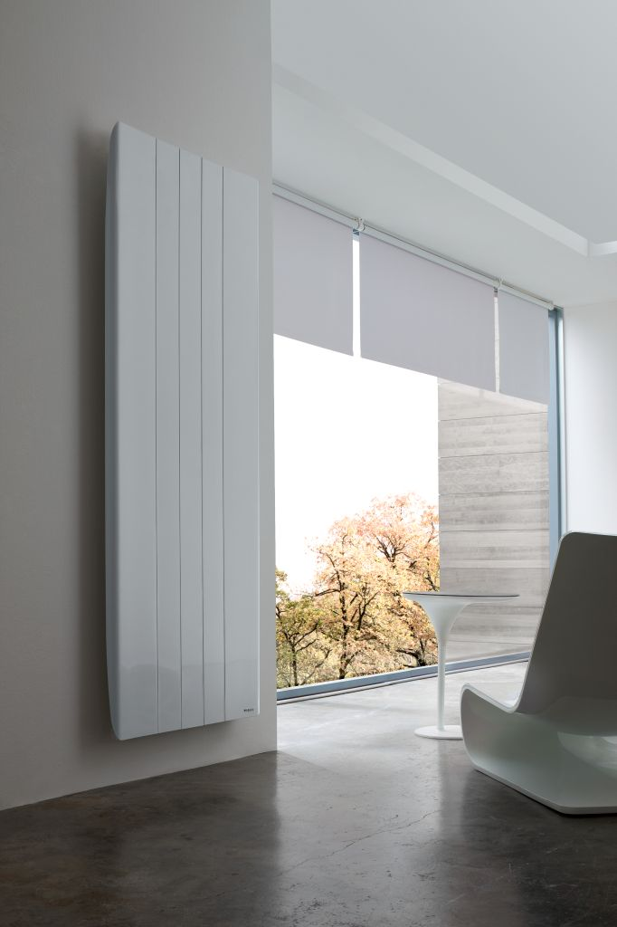 Needo R Line Vertical electric radiator