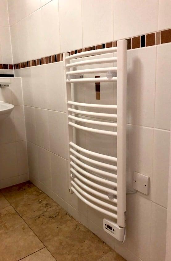 Balneum ecodesign Towel Heaters install