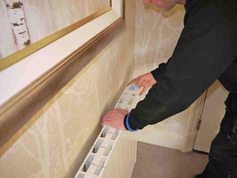 I-sense eco-design wifi electric radiators 1200w   installation in a hotel room